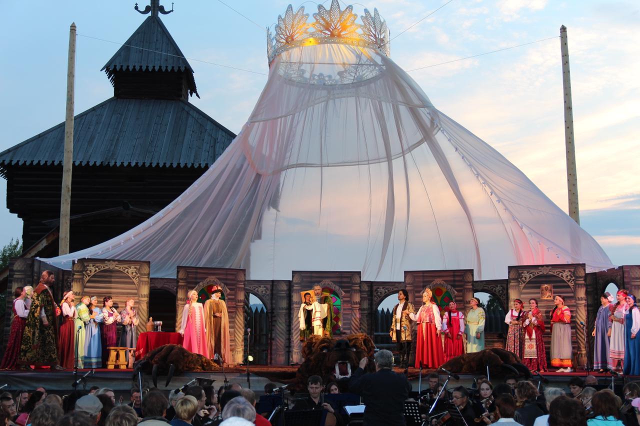 Фестиваль русской оперы под открытым небом в Тальцах